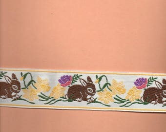 White lace with Brown rabbits 5 cm wide