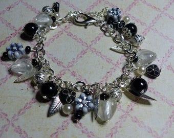 Bracelet pendants silver and black and white Murano lampwork heart