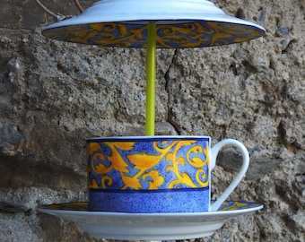 Yellow Arabesque bird feeder