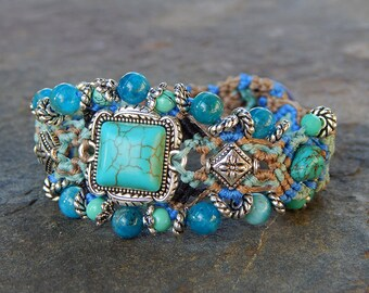 Turquoise semi precious stones bracelet