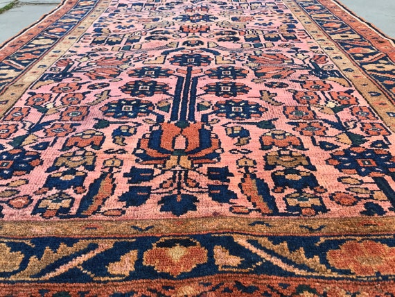 Vintage pink rug 4 x 7, Sarouk Lilihan ca1900, beautiful shape, soft colors and pile, great design, hand knotted wool on cotton foundation