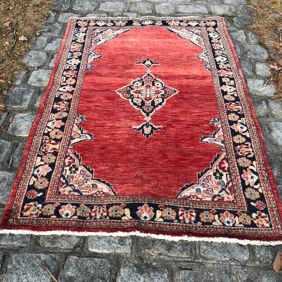 Vintage classic hand knotted rug,  3 x 5, hand knotted wool ono cotton foundation, Very good shape