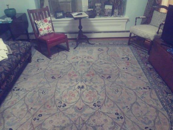 Antique Persian Carpet. Tabriz Hadji jalilli Masterpiece 9'x 12'. A beautiful and rare Persian Carpet. Highly Collectable. Soft Colors. Wool