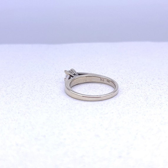 14K white gold solitaire ring - image 4