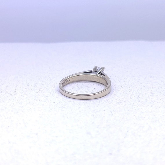 14K white gold solitaire ring - image 6