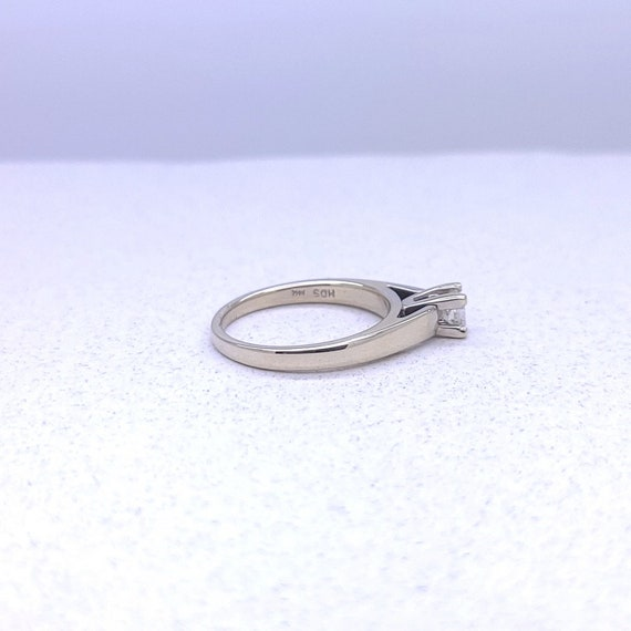 14K white gold solitaire ring - image 7