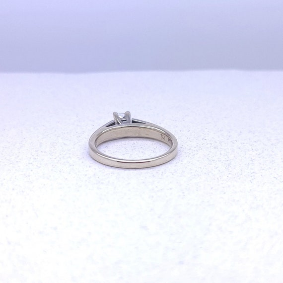 14K white gold solitaire ring - image 5