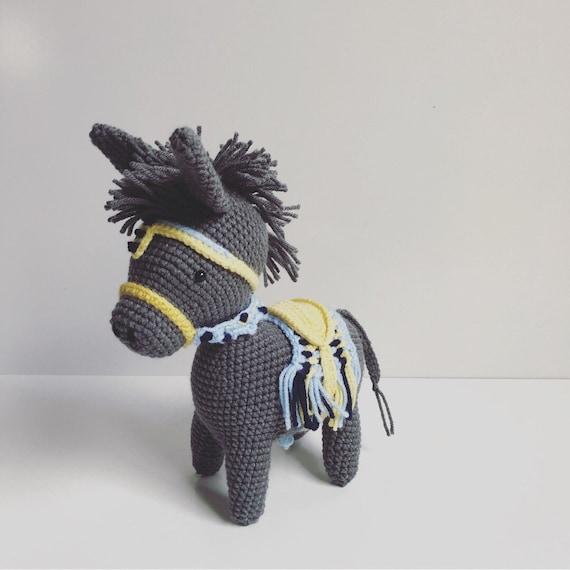 Ravelry: Little Pedro the donkey pattern by Ilaria Caliri (aka airali) | 570x570