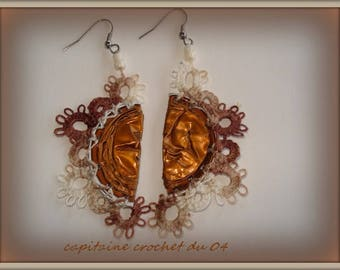Pierced ears/ear jackets / ecru and Brown / made a needle tatting on capsules recycled/handmade