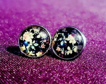 Retro Stud Earrings with flower print.