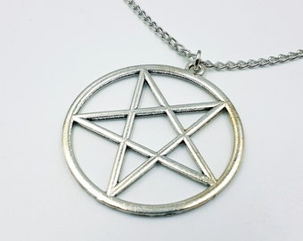 Inverted Pentagram Necklace (2 Styles)