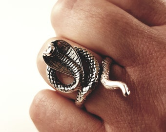 Cobra Serpent Ring