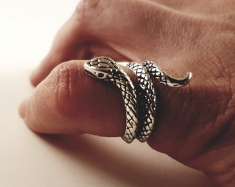 Small Serpent Snake Ring