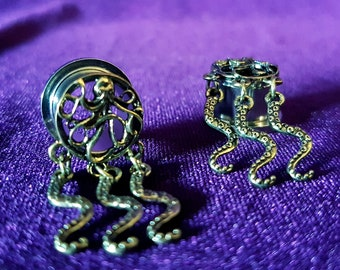 Cthulhu Tentacle Earplugs