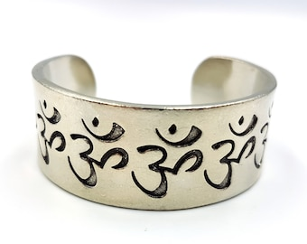 Aum Bracelet / Bangle (Ohm - Om - Aum)