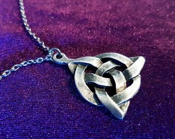 Triquetra Necklace (Steel)