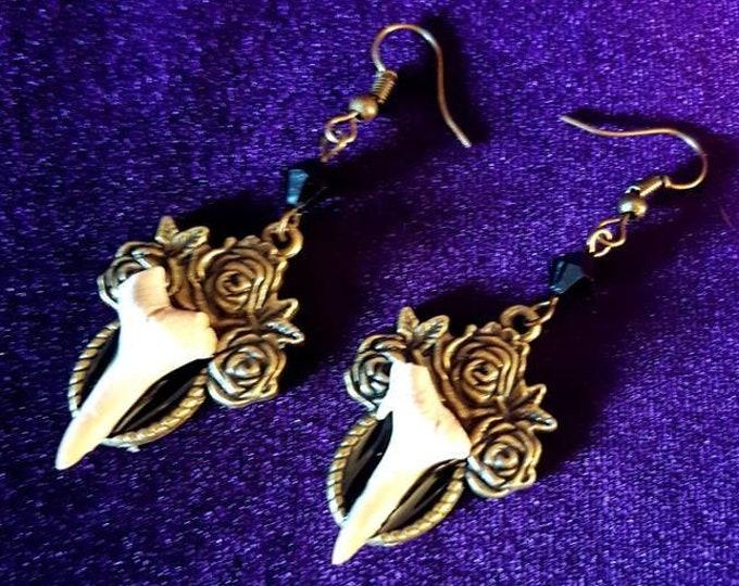 Shark Tooth Earrings - Ancient shark tooth earrings good luck succes abundance fossile gothic steampunk
