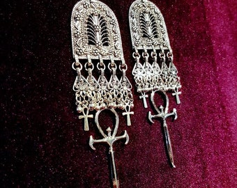 Queen Of The Damned Vampire Ankh Earrings - occult goth gothic vampyre ankh