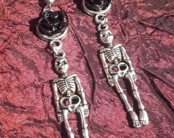 Black rose skeleton earrings  -  gothic skeleton skelet black rose skull