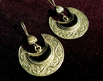 Vintage Crescent Moon Earrings.