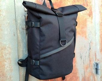 Black canvas Backpack 3d4056ab6123c