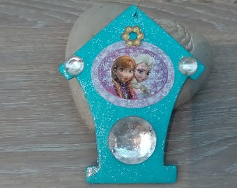 Christmas decoration or kids room Queen frozen snow