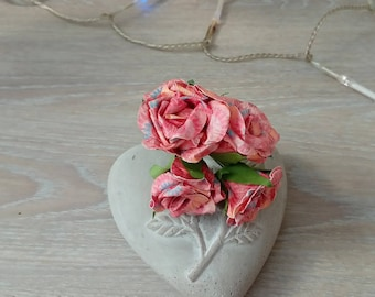 Bouquet of 4 roses for decoration