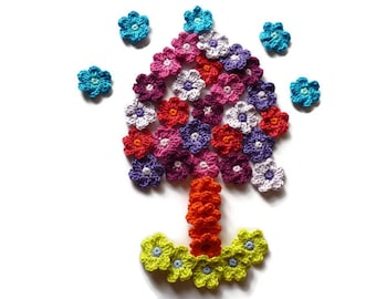 Small crocheted cotton flowers