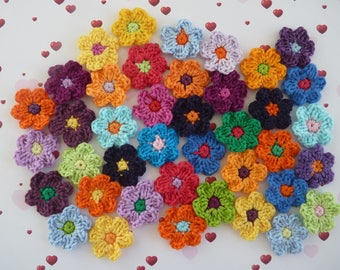 Lot of small flowers in crochet cotton