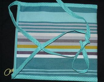 Petite sacoche plate à porter en bandoulière