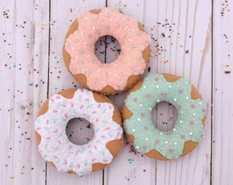 Set of 3 Felt Donuts, felt food, plush food, play food, play kitchen, felt dessert, preschool toy, pretend play, doughnuts