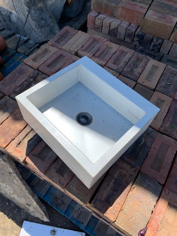 Square bathroom Concrete Sink