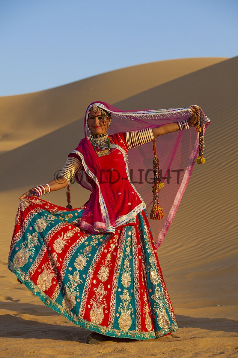 Indian dancer on the dunes, Thar Desert, Jaiselmer, Rajasthan, India! 20974  Modern Wall Art Home Decor Art Modern Art Canvas Art People Art