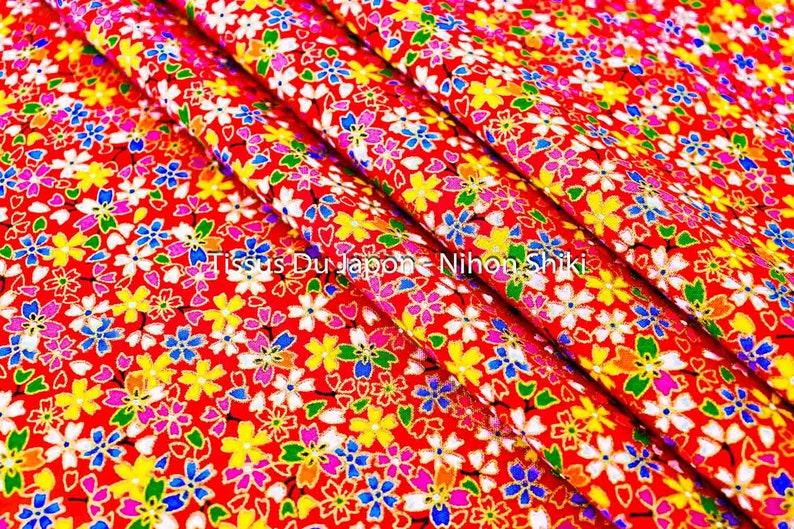 7466984c2a83c9 Tissu asiatique rouge petite fleur cerisier japonais 1/2 | Etsy