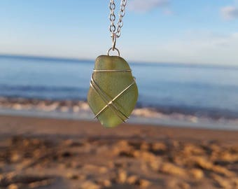 Green Sea Glass Necklace, Seaglass Pendant, Beach Jewellery, Handmade Jewellery, Unique Gift, Ocean Find, Natural