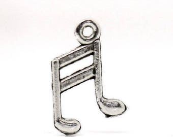 5 handmade charms in silver music Note