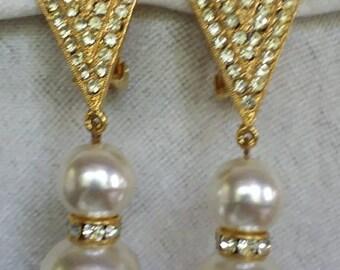 Vintage Signed Tara  Rhinestone & Pearl dangle Clip On earrings