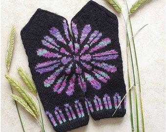 Knitted Rosetta Mittens in ladies size ~ wool handmade women