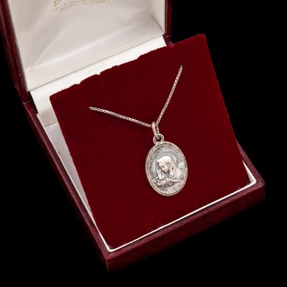 18 Chain Sterling Silver Mater Dolorosa Pendant