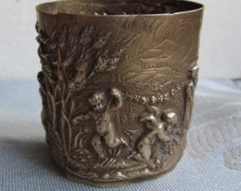 strapping, cherubs, stamped, tall brass 4.2 cm, romantic