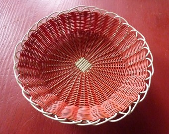 vintage basket woven red and white scoubidou * 30/22/9 cm *.