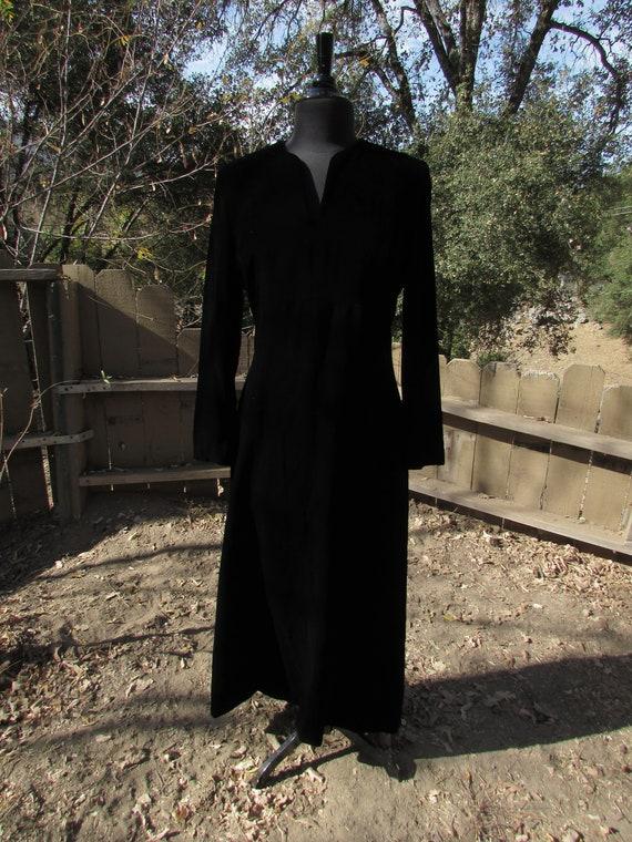 Black Velvet Formal Dress