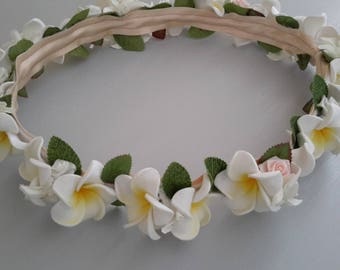 White frangipani Polynesian Crown yellow heart