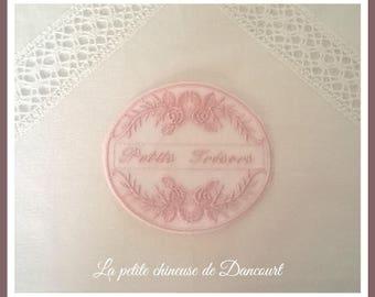 Powder pink little treasures Medallion