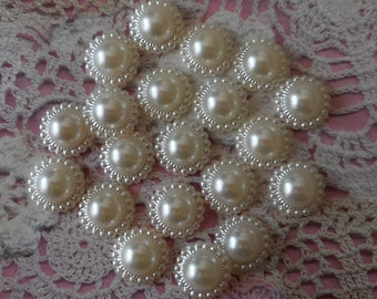 Round plastic cabochons scrapbooking half ivory beads 1.20 cm diameter. sold by 20 cabochons ivory cabochons carterie