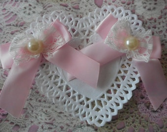 Pink satin bows with white lace and Pearl resin 7,00 cm tall (with 2 bows)
