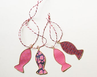4 small fish in Japanese red paper and kraft string to hang, wall decoration fish, decor sea, goldfish decor,