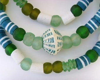 Matching cblend04 - green - recycled glass beads