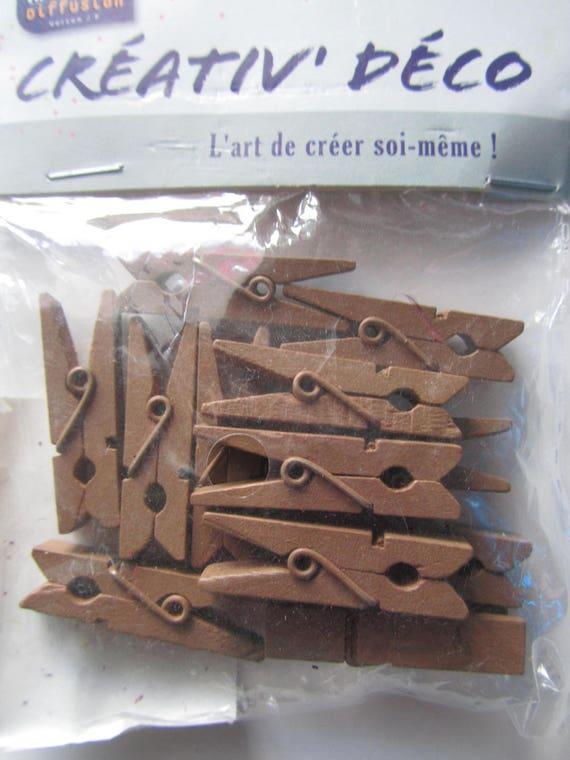 lot de 12 pingles pinces linge en bois couleur chocolat. Black Bedroom Furniture Sets. Home Design Ideas