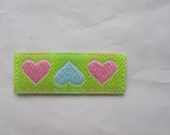 Easy to apply with an iron decals thermo patterns depicting 3 hearts